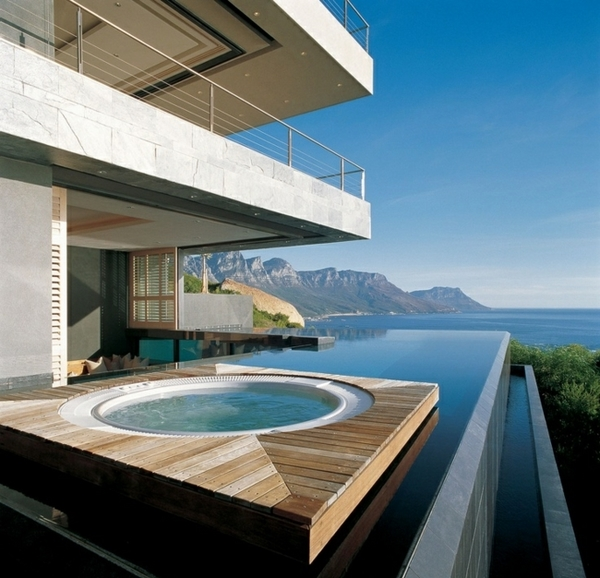 House-deck-infinity-pool-jacuzzi-holiday-home-Switzerland