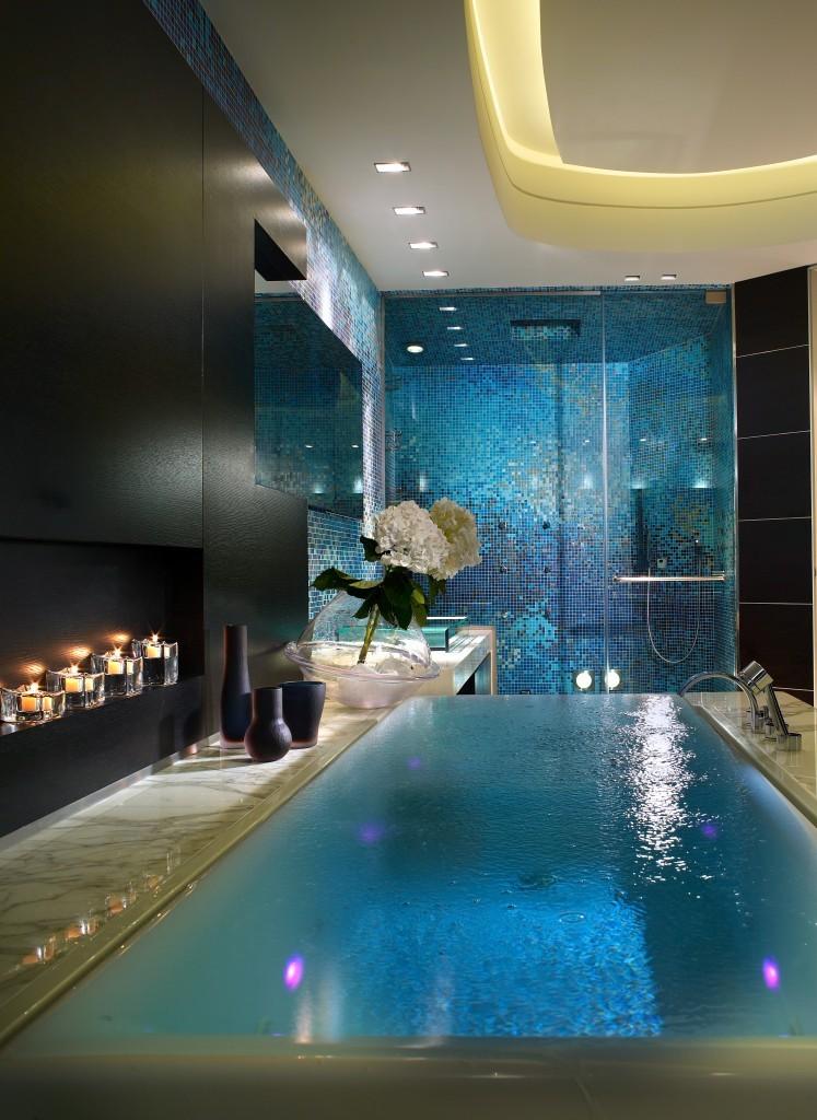 126-PepeCalderin-PalazzodeMare-Bathroom3-747x1024